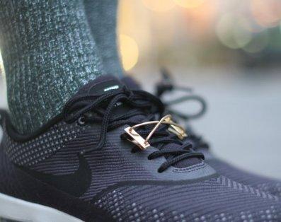 vibe-harsloef-vibe-harsloef-shoelace-jewelry_242x506max